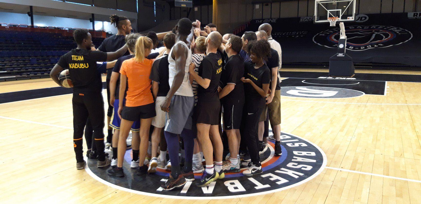 PARIS - Basketball